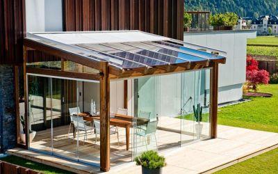 Verande in legno veranda in abete lamellare veranda con for Amore legnami